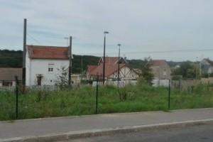Terrains nus destinés à la construction d'une maison d'habitation, situés au 35, 37, 39 rue des Saules, Le Havre